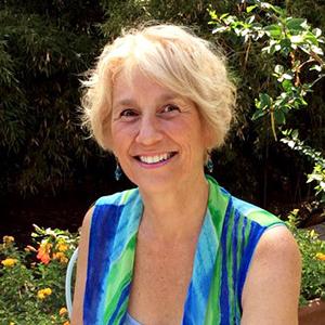 Donnamarie Kelly Pignone - Academic Advisor & U.S. University Programs Coordinator