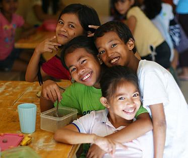 Volunteer for the Visayans Sponsor-A-Child Daily Feeding Program