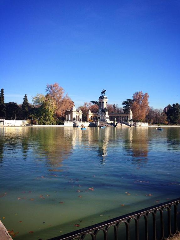 Lake in Retiro Park in Madrid, Spain