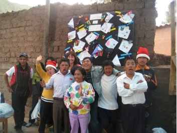 Volunteer in Peru with local sewing group