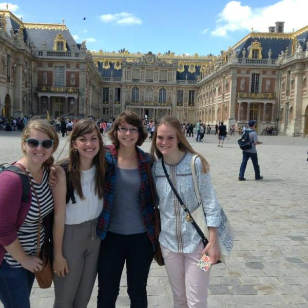 Study Abroad friends in Paris