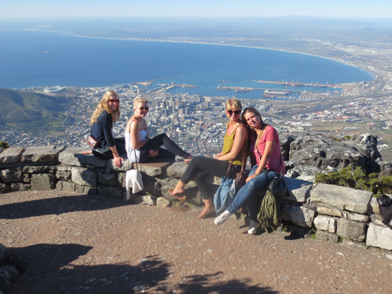 Girls sightseeing in Cape Town