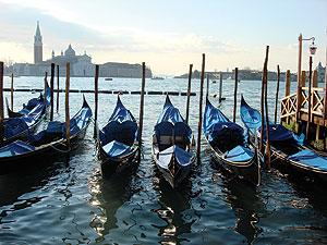 gondola beautiful italy italian