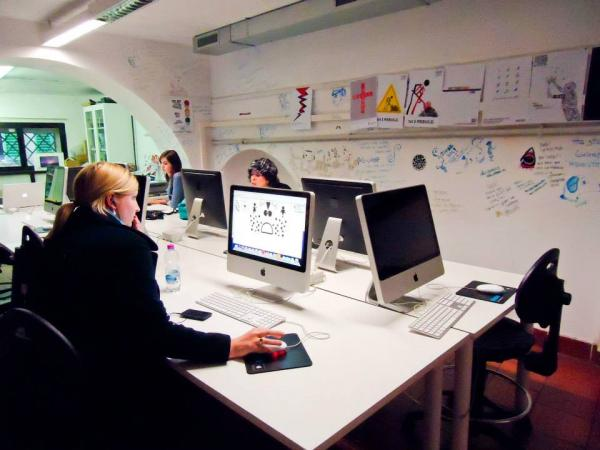 computer lab studying modern