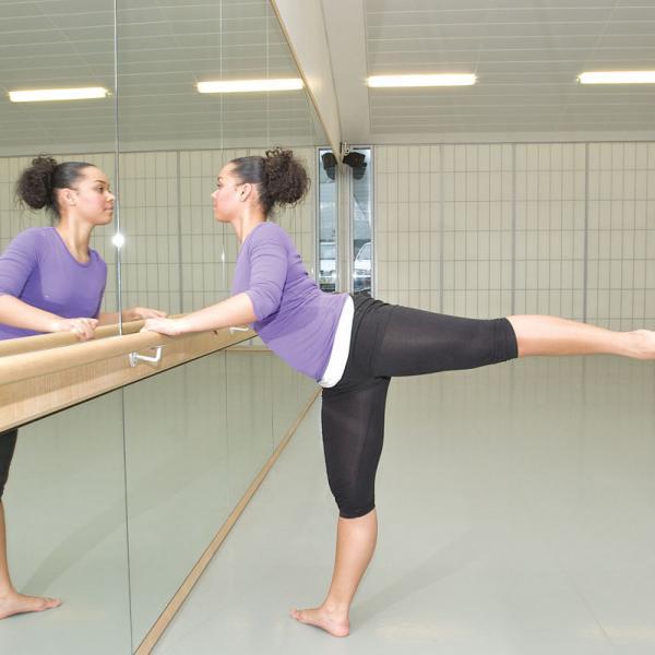 Athena Study Abroad London, England Dance Class