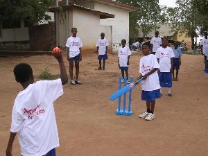 Coach Cricket  Children in Ghana | TravellersWorldwide.com