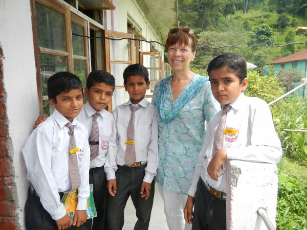 HELP volunteer with her students in West Bengal