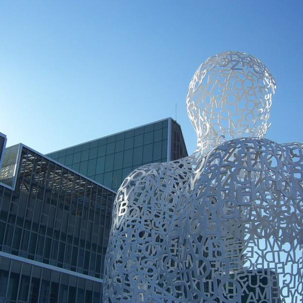 Jaume Plensa sculpture in Zaragoza, Spain