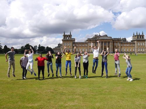 OFL Students outside Blenheim Palace, Oxbridge Future Leaders 2016