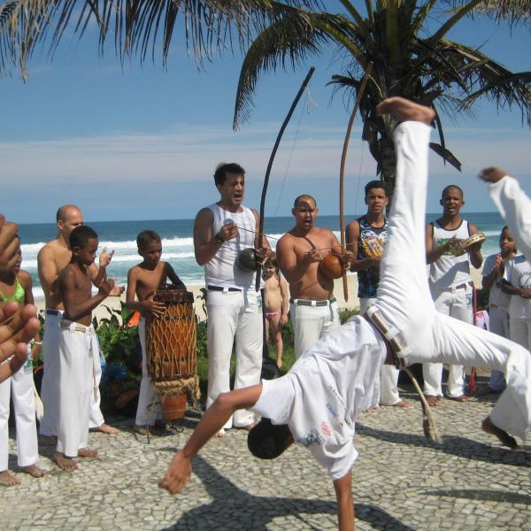 Volunteering with Arts, Sports, Teaching, Environment, Children, Childcare, Community Development, Carnival, Health promotion in RIo de Janeiro.