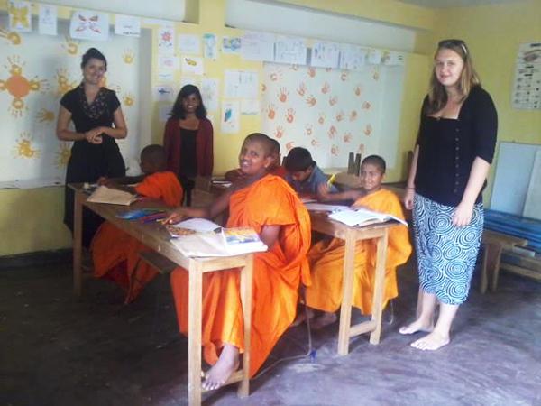 Teach Children in Kandy, Sri Lanka | travellersworldwide.com