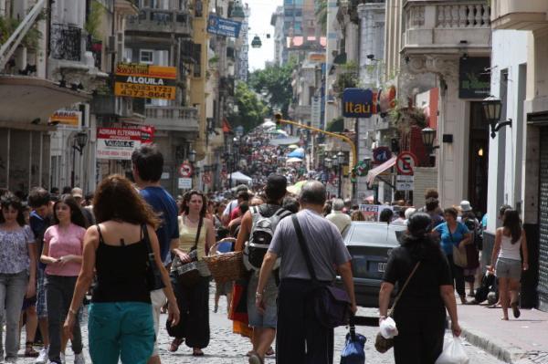 Tourists flooding the flea market
