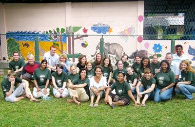 Projects Abroad Veterinary Medicine volunteers outside of their placement in Sri Lanka