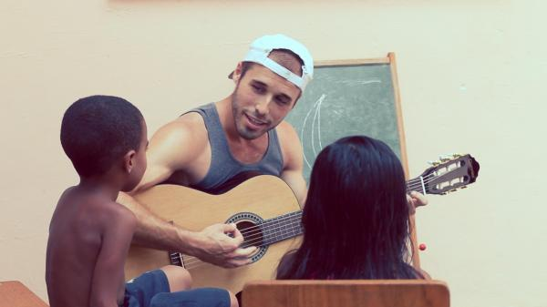 Volunteer with Children in Brazil with IVHQ