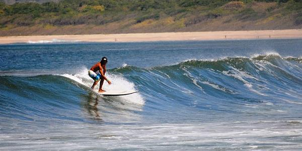 playa-tamarindo-beach-costa-rica-excursion-surfing-latin-america