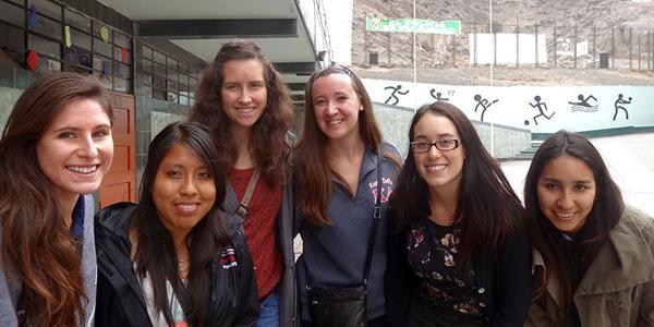 volunteer-participants-lima-peru-latin-america-teach-abroad