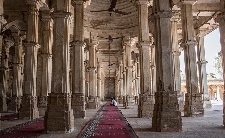 Rani Sipri's Mosque Tomb